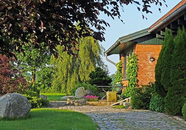 chodnik v zahrade